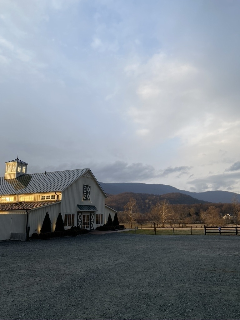 Winery near crozet with the mountains in the background